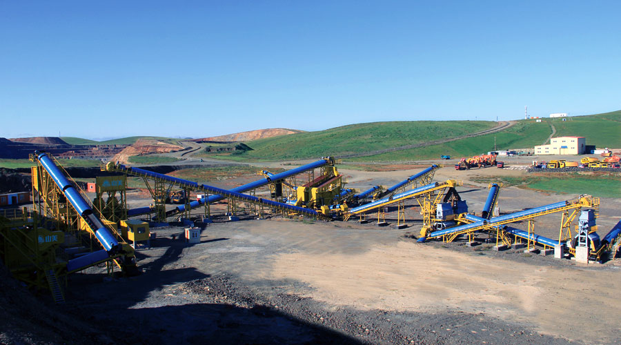 蒙古时产500吨铁矿石破碎生产线设备配置示意图